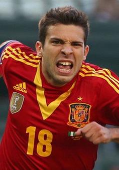 """Jordi Alba xuất sắc hơn Roberto Carlos"""