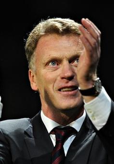 """Man Utd thoát """"cửa tử"""", David Moyes """"nổ"""" vang trời"""