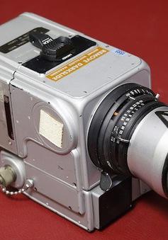 """20 tỷ VND cho chiếc máy ảnh """"du hành"""" Mặt trăng"""