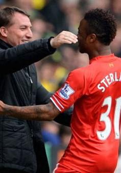 """Liverpool sắp vô địch, HLV Rodgers tâng """"người hùng"""" Sterling lên mây xanh"""