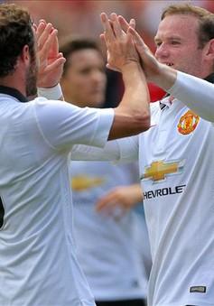 "Bị ""mắng"", Juan Mata vẫn ""mê mệt"" Louis van Gaal"