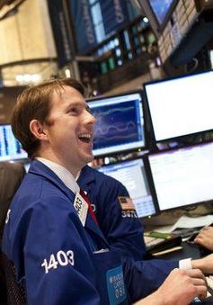 Hai chỉ số Dow Jones và Nasdaq đều lập kỷ lục mới