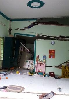 7 căn nhà ở TP.HCM bất ngờ đổ sập