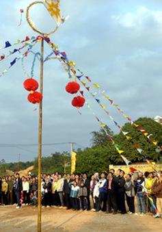 Lễ hội ném còn ba nước Việt - Lào – Trung năm 2013