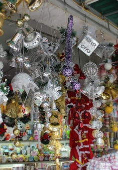 Quà tặng Giáng sinh: Sức mua yếu