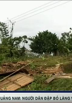 Tin lời thầy bói, người dân đập nhà kiên cố, dời làng đi nơi khác