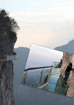 Rùng mình ngắm cảnh trên cây cầu trong suốt