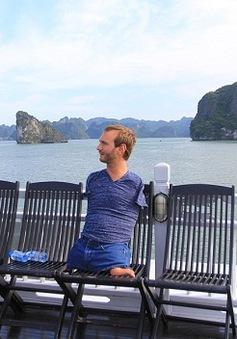 Nick Vujicic thưởng ngoạn thắng cảnh Vịnh Hạ Long