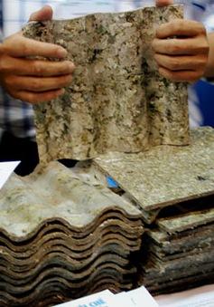 Việt Nam sản xuất tấm lợp từ vỏ hộp sữa tái chế