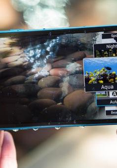 Điểm danh những smartphone chống nước đáng nể