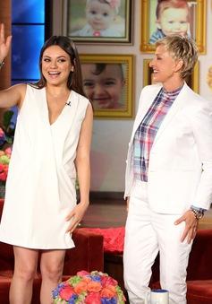 Mila Kunis công khai chuyện mang bầu và đính hôn trên The Ellen DeGeneres Show