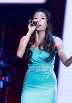 """Xem Minh Thư """"Vừa đi vừa khóc"""" trên sân khấu Bài hát yêu thích"""
