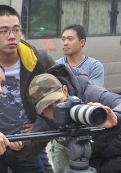 Quay phim bằng máy ảnh: Xu hướng hay thú chơi?