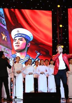 """Bài hát yêu thích: Tùng Dương """"soán ngôi"""" đầu từ Phương Mỹ Chi"""