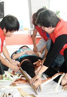 VIDEO: Sơ cứu người bị tai nạn giao thông