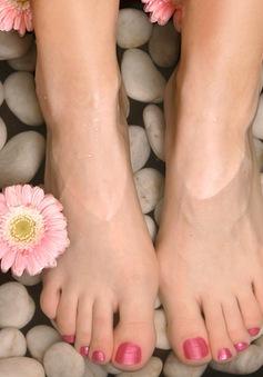 Ngâm chân nước nóng trị nhiều bệnh