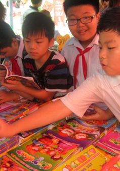 """Ngày hội đọc sách 2013: """"Vì một xã hội học tập"""""""