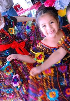 Rực rỡ sắc màu lễ hội Cinco de Mayo tại Mexico