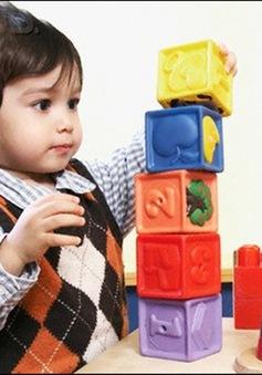 Cha mẹ làm gì để khuyến khích trí thông minh của trẻ?