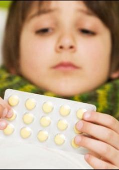 Sử dụng kháng sinh: Đối phó với tác dụng phụ ra sao?