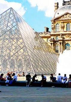 Thu giữ 3.600 vé giả vào bảo tàng Louvre