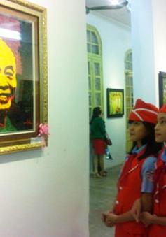 """Triển lãm """"Sắc hoa tháng 11"""" mừng ngày Nhà giáo Việt Nam"""