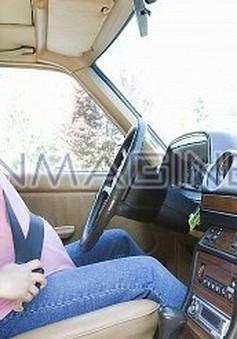 Đi chơi bằng ô tô trong thai kỳ có an toàn?