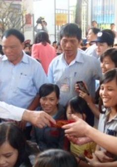 Chủ tịch nước thăm, chúc Tết công nhân