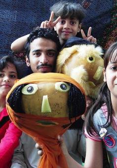 Yemen: Dạy kỹ năng sống cho trẻ bằng múa rối