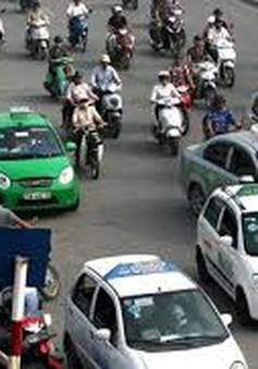 Hà Nội: Phù hiệu taxi - Không loại trừ chiêu đối phó, làm giả