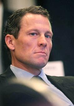 """Vì đâu Armstrong từ chối """"hoàn lương""""?"""