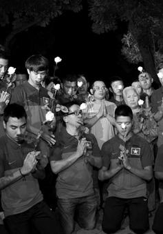 U19 Việt Nam viếng Đại tướng Võ Nguyên Giáp trong đêm