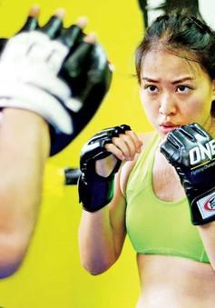 Tâm sự của cô gái theo nghiệp kickboxing