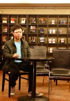 Dùng kính thông minh Google Glass để luyện giao tiếp tiếng Anh