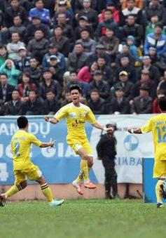 """V.League vòng 8: """"Hiện tượng"""" Than Quảng Ninh đã được giải mã"""