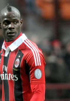Tin 18/3: Balotelli rời Milan, PSG mừng thầm