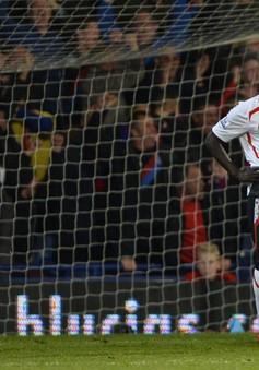 Cú sảy chân đau đớn của Liverpool: 10 phút kinh hoàng nơi đất khách