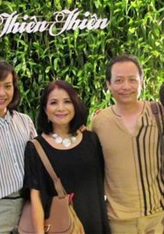 Nghệ sĩ  hết lòng ủng hộ đạo diễn Việt Linh thực hiện giấc mơ Sân khấu