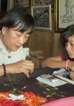 Người thợ tài hoa yêu trẻ khuyết tật