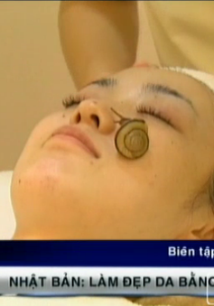 Làm đẹp da bằng cách cho ốc sên bò lên mặt