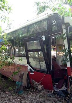 Xe khách tông nhau, 2 người tử vong tại chỗ