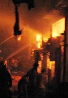 """Bảo hiểm cháy nổ: Vì sao tiểu thương không """"mặn mà""""?"""