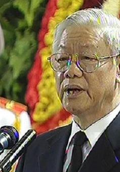 Tổng Bí thư xúc động đọc lời điếu truy điệu Đại tướng