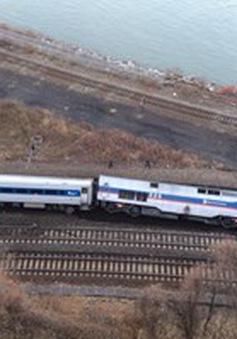 Tàu hỏa trật bánh ở New York, ít nhất 4 người chết