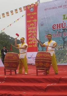 Khai hội chùa Hương Tích