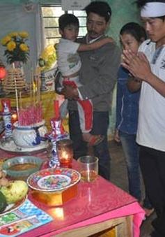 Tai ương gia đình nghèo, 4 đứa trẻ mồ côi có nguy cơ thất học