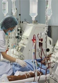 Côi cút mảnh đời hai mẹ con bệnh nhân chạy thận