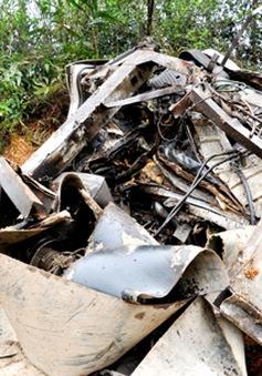 Xe tải lao xuống vực, 2 người chết, 2 người bị thương