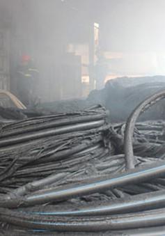 Cháy lớn tại kho vật tư nhà máy nước Hà Tĩnh