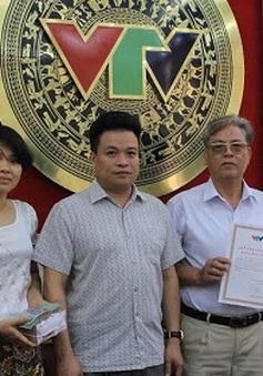 Quỹ Tấm lòng Việt tiếp nhận 100 triệu đồng ủng hộ Cảnh sát biển Việt Nam